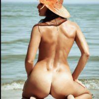 nude-5016005_1920